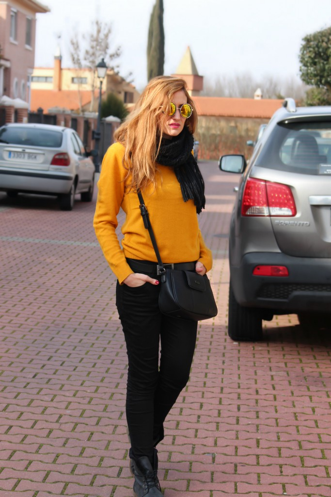 Look casual mostaza y negro 10