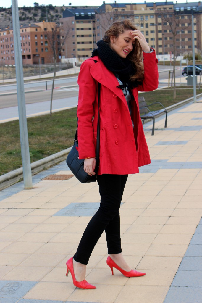gabardina roja 8