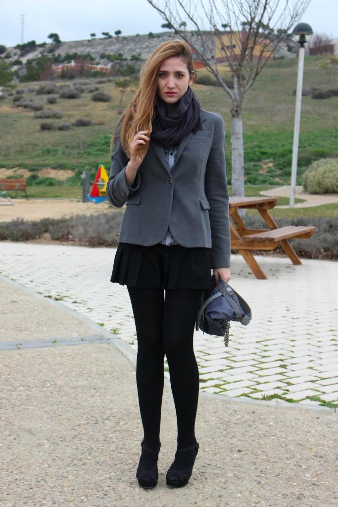 Sandalias negras con medias 4