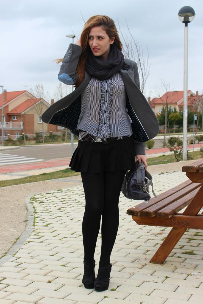 Sandalias negras con medias 3