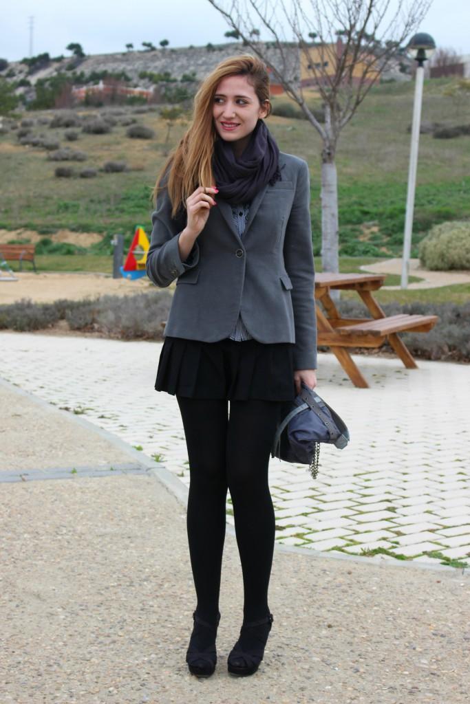 Sandalias negras con medias 2