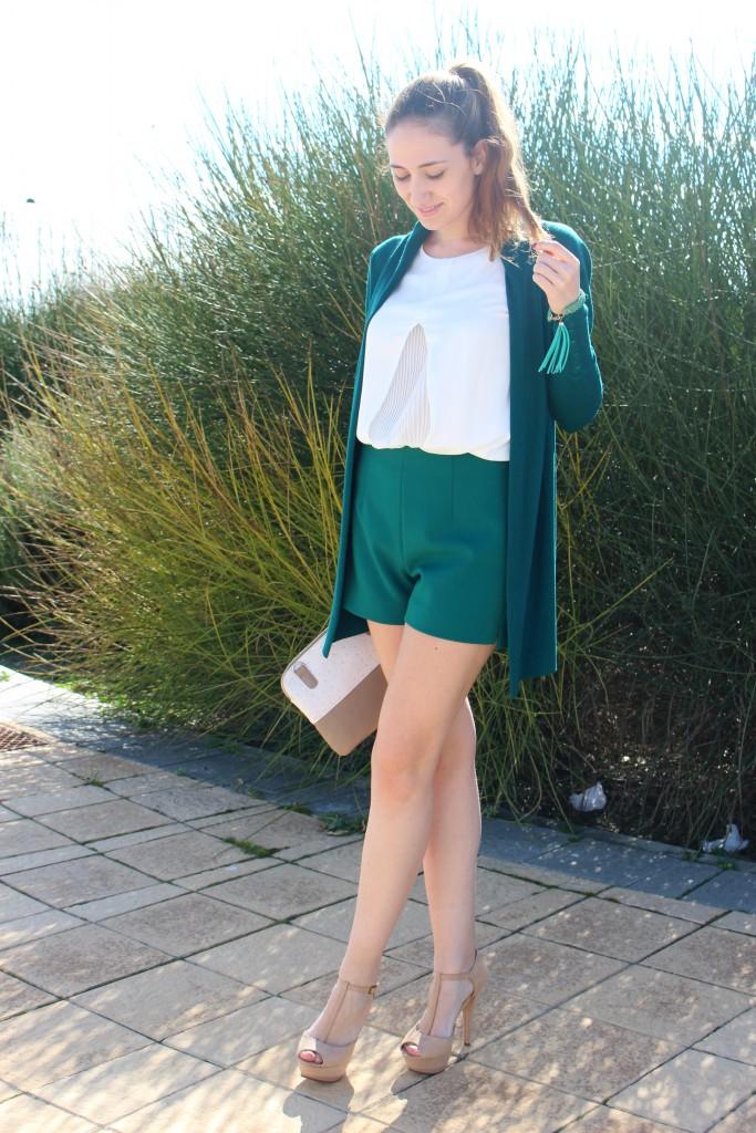 verde esmeralda y beige 9