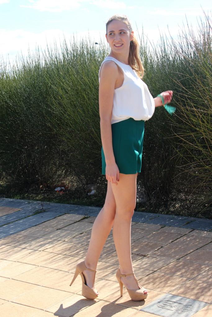 verde esmeralda y beige 10