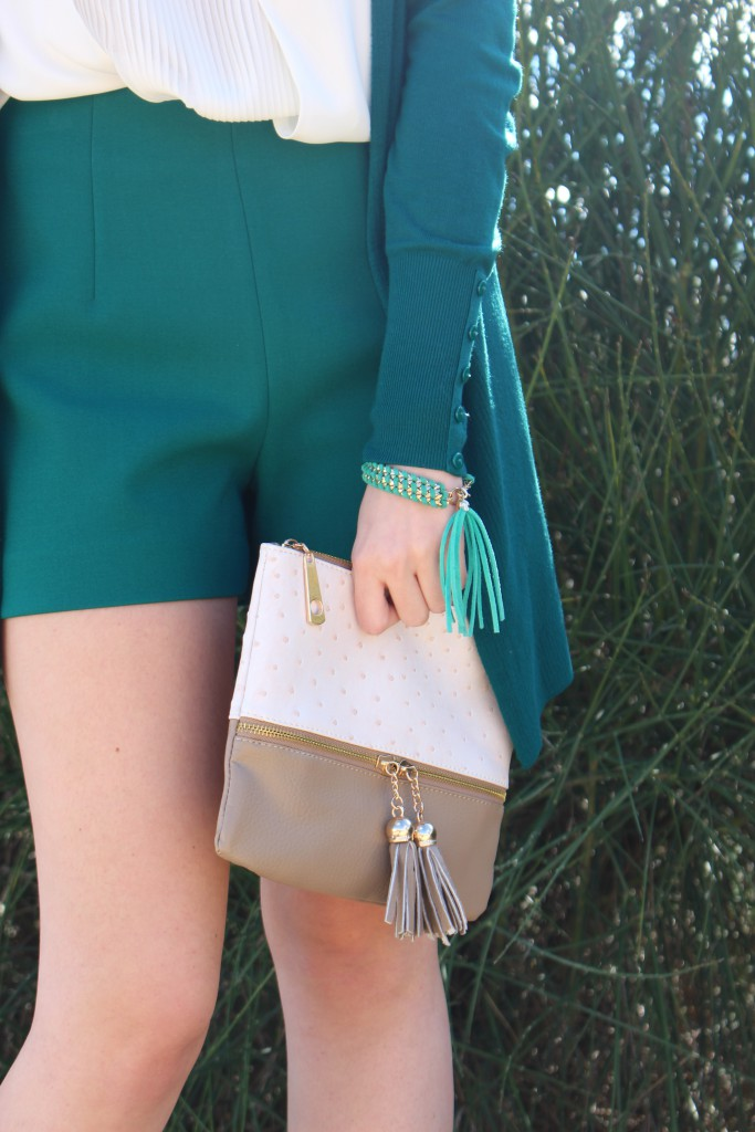 verde esmeralda y beige 8