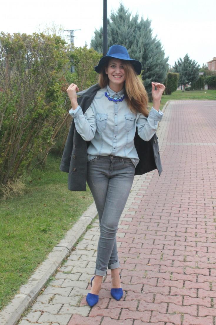 Gris y azul - Look 4