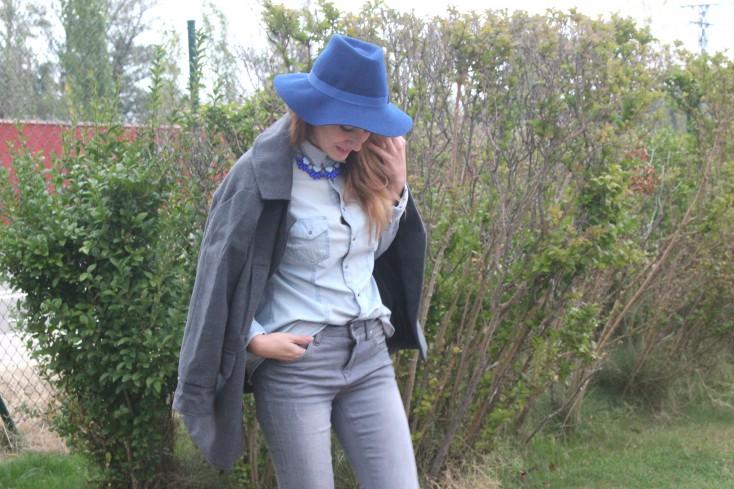 Gris y azul - Look 2
