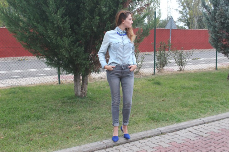 Gris y azul - Look 3