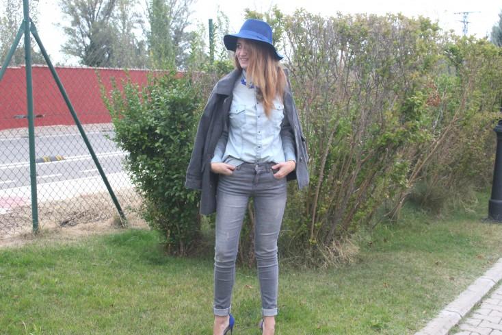 Gris y azul - Look 6