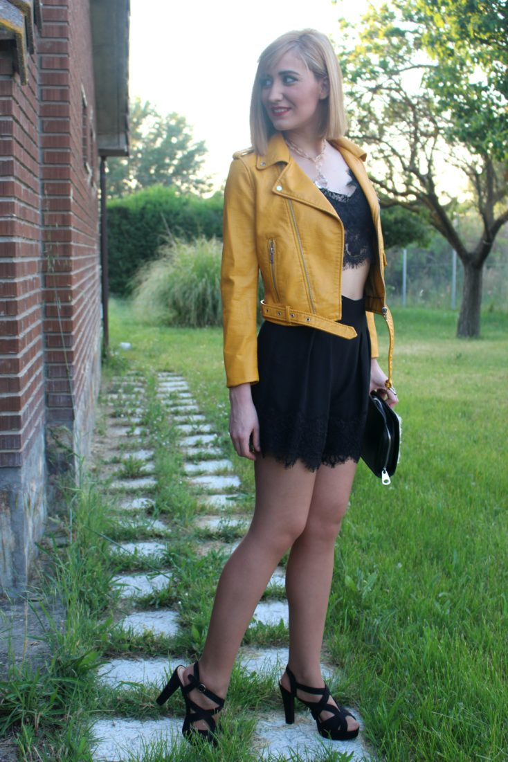 Biker amarilla 3
